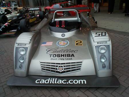 Cadillac-LMP-Le-Mans-outside-State