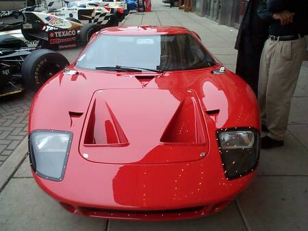 Ford-GT-40-front-view