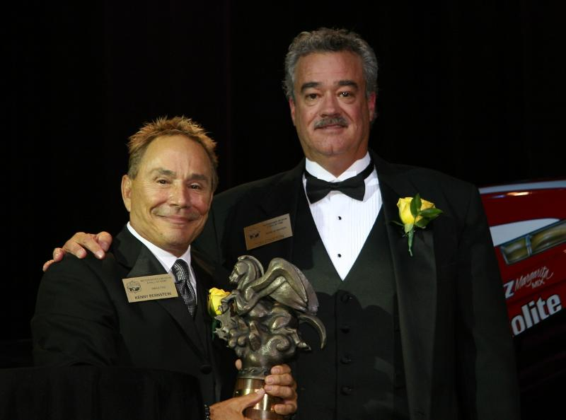 2009-inductee-kenny-bernstein-and-presenter-tom-compton