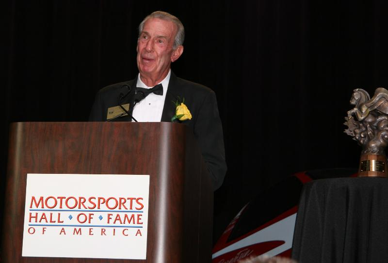 ned-jarrett-accepting-for-2009-inductee-joe-weatherly